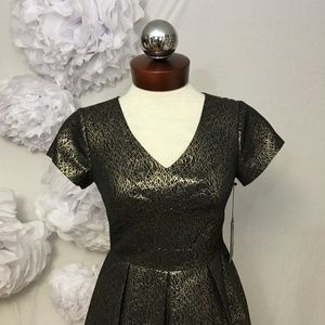 Vince Camuto Dresses - NEW $159 Vince Camuto Lurex Jacquard Dress 0